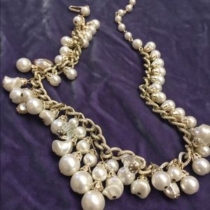 Vintage faux pearl cluster necklace